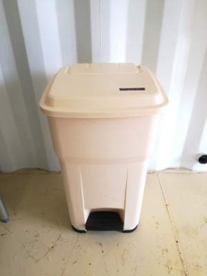 Foot pedal 55 L bin - Others on Aster Vender