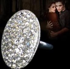 Female : 18 K Silver Filled Bella Ring  - Rings on Aster Vender