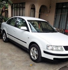 URGENT VW passat 1.8 petrol - Family Cars on Aster Vender