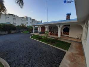 Lovely fully furnished 3 bedroom villa located in Morcellement Swan, P - Villas on Aster Vender