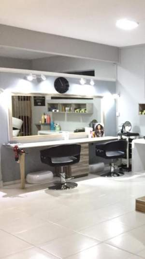 Hair Dresser Table And Mirror - Others on Aster Vender