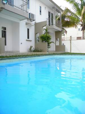 6 Duplexes for Sale at Bain Boeuf - Villas on Aster Vender