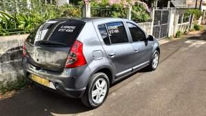 Renault Sandero '09 - Compact cars on Aster Vender