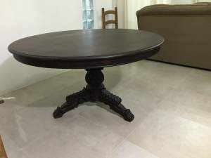 Table rond - Antiquities on Aster Vender