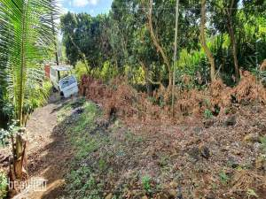 8,8 Perches land is for sale in Nehru Nagar @ Rs. 600,000 only - Land on Aster Vender
