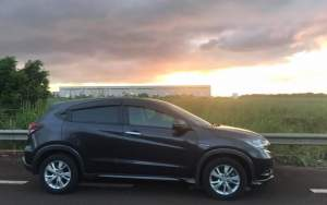 HONDA VEZEL (2014) - SUV Cars on Aster Vender