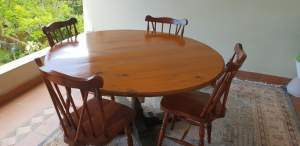 Table and 4 chairs - Table & chair sets on Aster Vender