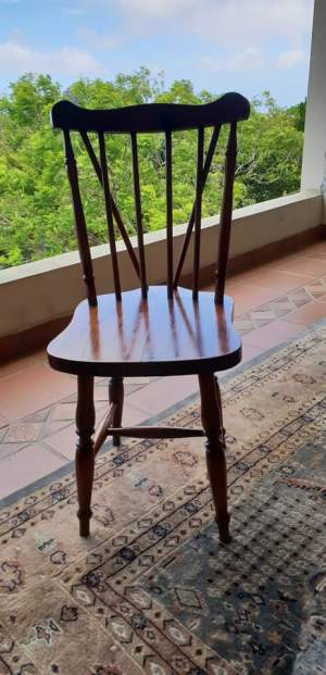 Table and 4 chairs - Tables on Aster Vender