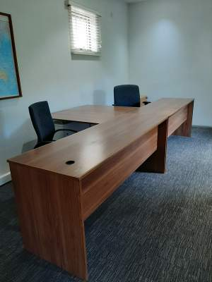 Office desk and picture frames - Others on Aster Vender