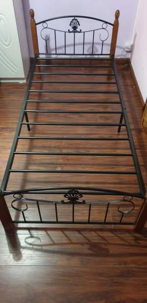 Single bed - Bedroom Furnitures on Aster Vender