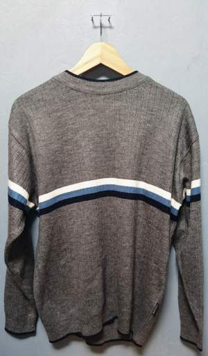 Sweater-Size L - Sweater (Men) on Aster Vender