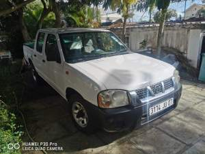 Nissan 4×2 - Pickup trucks (4x4 & 4x2) on Aster Vender