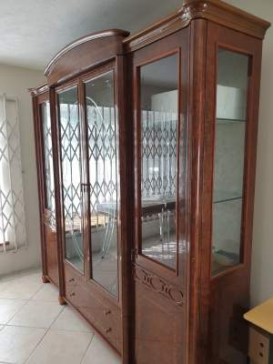 Italien Crafted Display Cabinet - China cabinets (Argentier) on Aster Vender