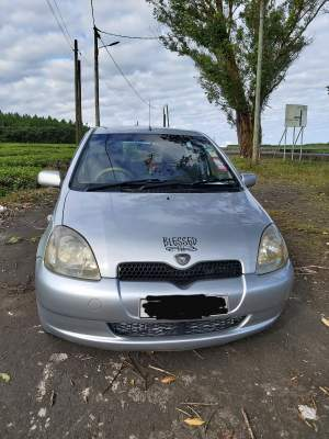 For sale Vitz 00 Manual - Family Cars on Aster Vender