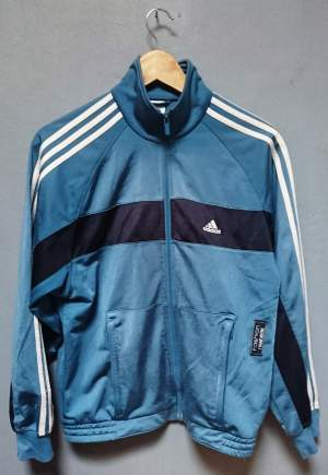 ADIDAS - RUNNING JACKET - SIZE L  - Sports outfits on Aster Vender