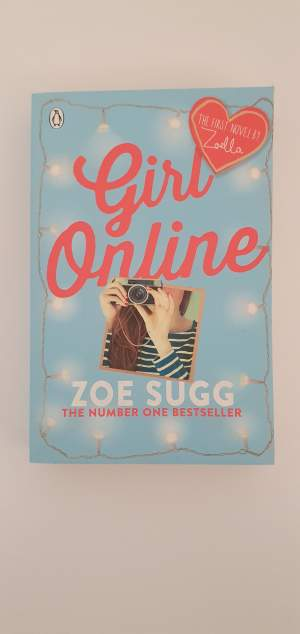 Girl Online-Zoe Sugg - Fictional books on Aster Vender