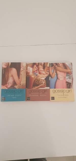 Gossip Girl - Fictional books on Aster Vender