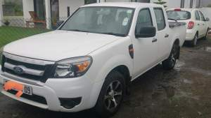 Double Cab Pick Up 4 x2 - Pickup trucks (4x4 & 4x2) on Aster Vender