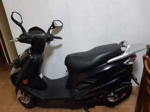 Scooter -SUZUKI  - Scooters (above 50cc) on Aster Vender