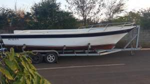 Boat in good condition - 26ft long & 8ft wide - Boats on Aster Vender