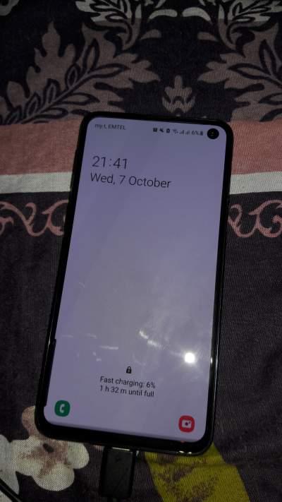 Samsung galaxy S10E - 128GB - Galaxy S Series on Aster Vender