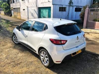 Clio 2017 1.2 turbo 67000Km très bon état  - Family Cars on Aster Vender