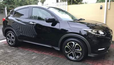 Honda Vezel (Petrol)  - SUV Cars on Aster Vender