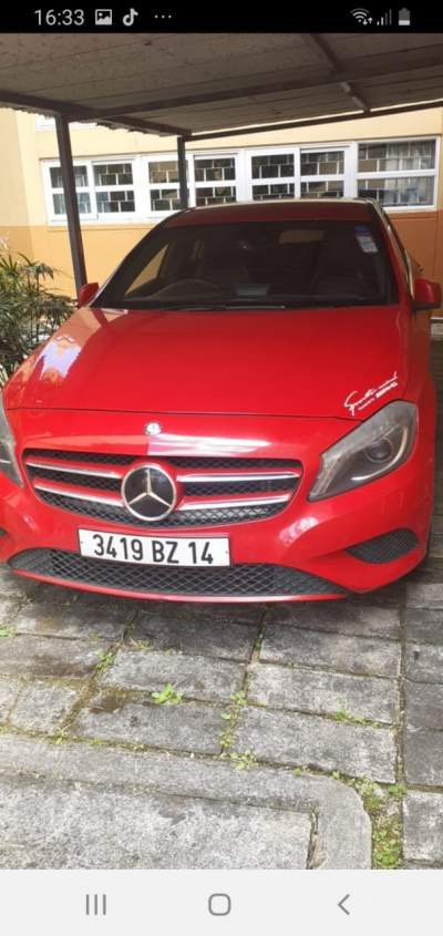 Mercedes A180 - Luxury Cars on Aster Vender