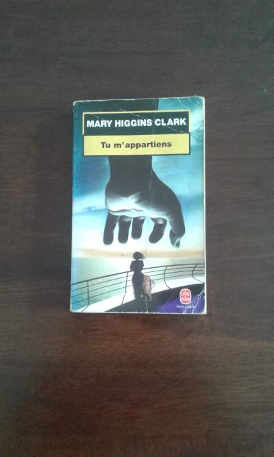 Tu m'appartiens de Mary Higgins Clark - Parenting books on Aster Vender