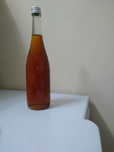 pure local honey - Honey on Aster Vender