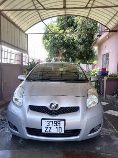 Toyota Vitz - Year 2010 - Family Cars on Aster Vender