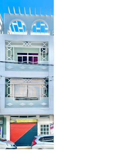 COMMERCIAL BUILDING AND APARTMENT ON SALE IN PORT LOUIS Rs 5.5M - Commercial Space on Aster Vender