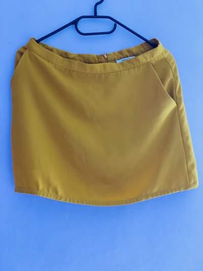 Yellow skirt from Forever 21 - Skirt on Aster Vender