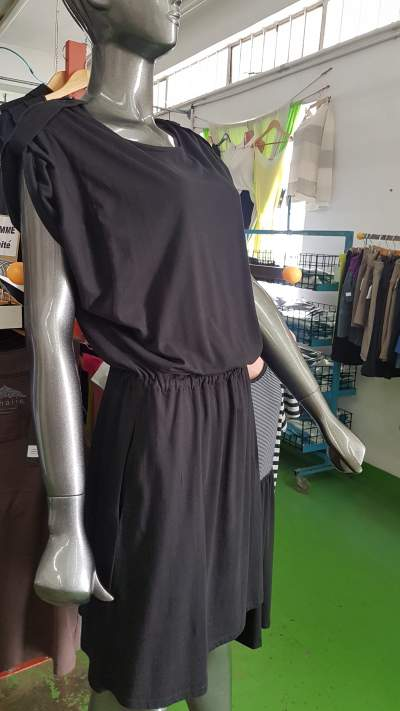 Woman's dresses Mixed styles prices Rs 200 to 300