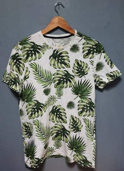 T-SHIRT - GEMO - SIZE S - T shirts (Men) on Aster Vender