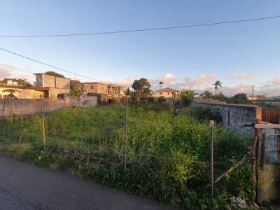 Land for Sale in Centre of Glen-Park, Vacoas - Land on Aster Vender
