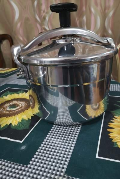SEB Pressure Cooker  - Kitchen appliances on Aster Vender