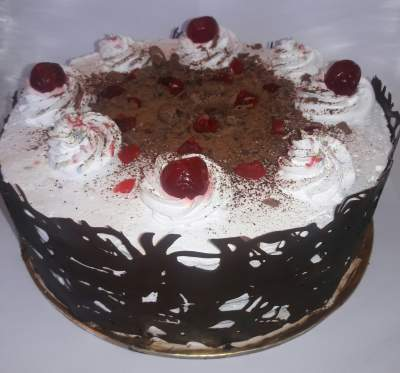 Pastries and cakes - Catering & Restaurant on Aster Vender
