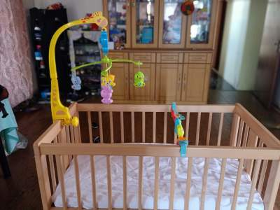 Baby crib with swinger - Bed frames, headboards, footboards on Aster Vender