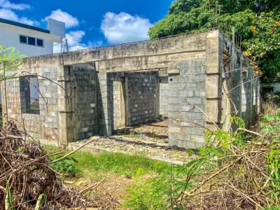 Masion incomplet a vendre a pereybere - House on Aster Vender