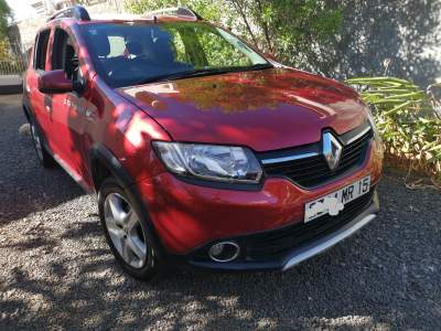 Renault  sandero Stepway - Family Cars on Aster Vender