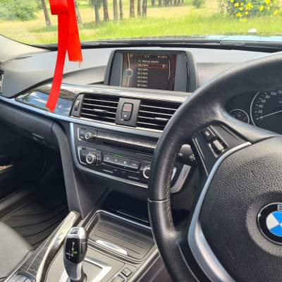 BMW 320 I for sale - Luxury Cars on Aster Vender