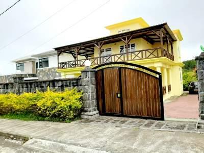House - House on Aster Vender