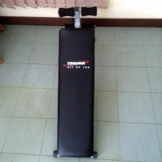 Sit up bench - like new - Fitness & gym equipment on Aster Vender