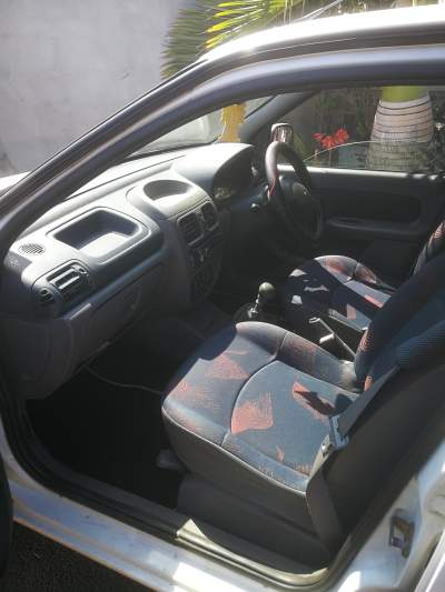 Renault clio - Compact cars on Aster Vender