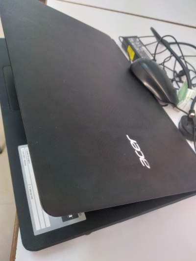 Laptop ACER - Laptop on Aster Vender