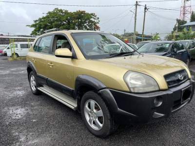 Hyundai Tucson Year 05 - SUV Cars on Aster Vender