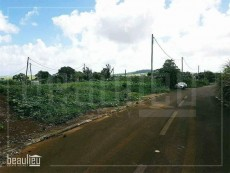 ** 7 Perches Residential land * *   - Land on Aster Vender
