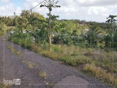 * 12 Perches Residential land * *  - Land on Aster Vender