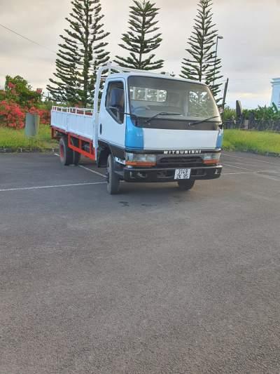 Truck Mitsubishi  - Small trucks (Camionette) on Aster Vender